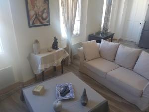 BEL EKLA - Apartment - Orange