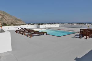 Sunny Days Villa(Emporio)
