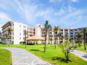 Centara Sandy Beach Resort Danang, Курортные отели  Дананг - big - 27