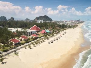 Centara Sandy Beach Resort Danang, Курортные отели  Дананг - big - 1