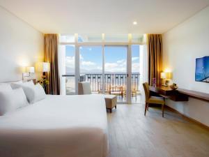 Centara Sandy Beach Resort Danang, Курортные отели  Дананг - big - 9