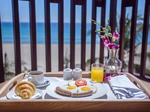 Centara Sandy Beach Resort Danang, Курортные отели  Дананг - big - 40