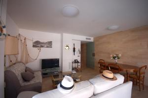 Lets Holidays Voramar Apartment, Ferienwohnungen  Tossa de Mar - big - 26