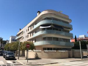Lets Holidays Voramar Apartment, Ferienwohnungen  Tossa de Mar - big - 4