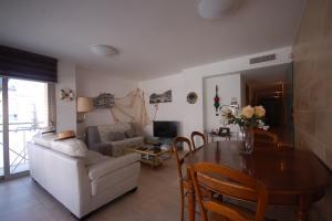 Lets Holidays Voramar Apartment, Ferienwohnungen  Tossa de Mar - big - 27