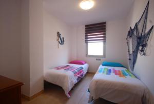 Lets Holidays Voramar Apartment, Ferienwohnungen  Tossa de Mar - big - 14