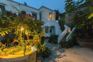 Villa Rosella, Villas  Capri - big - 1