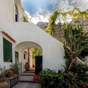 Villa Rosella, Villas  Capri - big - 2
