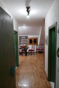 Appartamento Rivisondoli, Apartmanok  Rivisondoli - big - 11