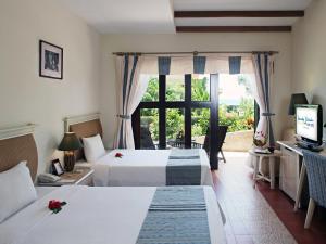 Centara Sandy Beach Resort Danang, Курортные отели  Дананг - big - 4