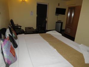 Hotel Sterling, Отели  Сринагар - big - 19