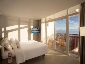 Centara Sandy Beach Resort Danang, Курортные отели  Дананг - big - 2