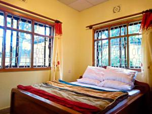 Mazzola Safari House & Backpacking
