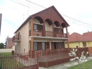 Pillangó Apartmanház