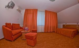 Family Hotel Vega, Отели  Святые Константин и Елена - big - 2
