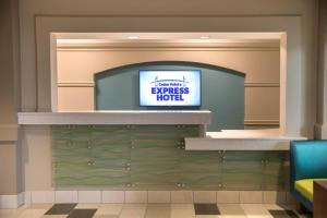 Cedar Point's Express Hotel, Hotels  Sandusky - big - 29