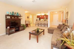 Shoreway Two-Bedroom Apartment 227, Apartmány  Orlando - big - 52