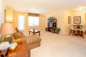 Shoreway Two-Bedroom Apartment 227, Apartmány  Orlando - big - 50