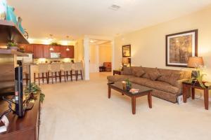 Shoreway Two-Bedroom Apartment 227, Apartmány  Orlando - big - 49
