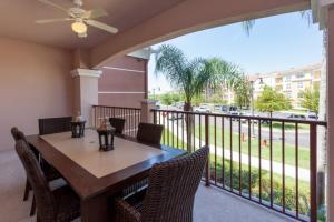 Shoreway Two-Bedroom Apartment 227, Apartmány  Orlando - big - 43