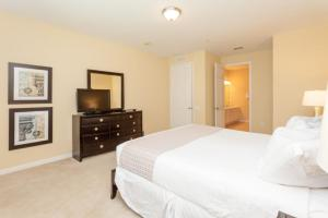 Shoreway Two-Bedroom Apartment 227, Apartmány  Orlando - big - 41
