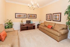 Shoreway Two-Bedroom Apartment 227, Apartmány  Orlando - big - 33