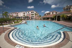 Shoreway Two-Bedroom Apartment 227, Apartmány  Orlando - big - 21