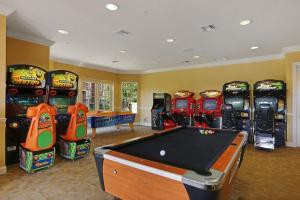 Shoreway Two-Bedroom Apartment 227, Apartmány  Orlando - big - 11
