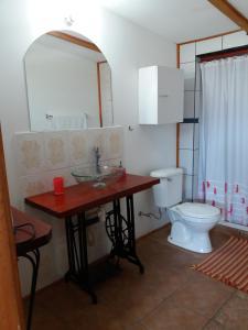 Hostal La Candelaria, Bed and Breakfasts  Algarrobo - big - 18
