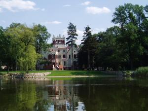 Zamek von Treskov, Отели  Strykowo - big - 28