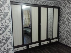 1-ая квартира, Apartmanok  Kogalim - big - 4