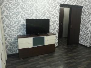 1-ая квартира, Apartmanok  Kogalim - big - 10