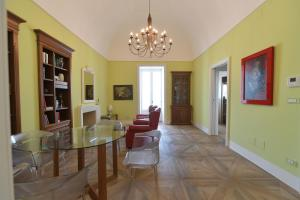 Suite 121, Appartamenti  Martina Franca - big - 5