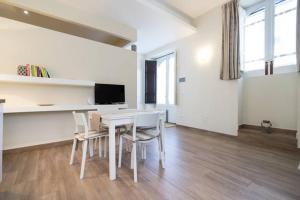 Casa Sbarcadè, Apartmanok  Szirakúza - big - 9