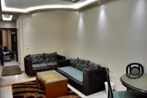 Elsraya Studios and Apartments (Families Only), Apartmanok  Alexandria - big - 16