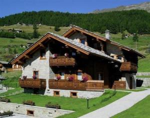 Prenota Residence Lo Peyo