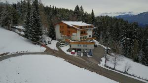 Hotel Pension Tyrol
