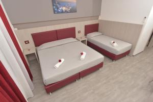 Eden Rooms