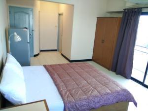 Grand Residence Ngamwongwan 19, Hotely  Nonthaburi - big - 1
