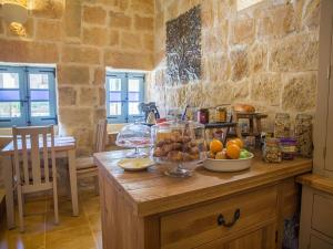 Gozo Spirit, Bed & Breakfast  Nadur - big - 27