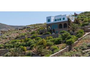 Villa Agios Romanos,Tinos, Ville  Tinos Town - big - 5