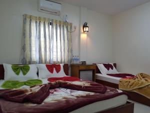 Mya Gone Yaung Guest House (Burmese Only)