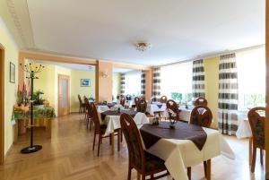 Hotel Adler, Отели  Висмар - big - 19