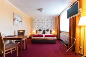 Hotel Adler, Отели  Висмар - big - 10