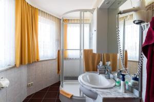 Hotel Adler, Отели  Висмар - big - 18