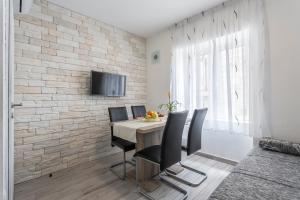 Apartments and Rooms Villa Antonio