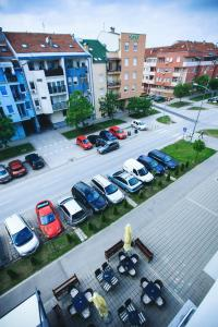 Purple Apartment, Ferienwohnungen  Novi Sad - big - 17
