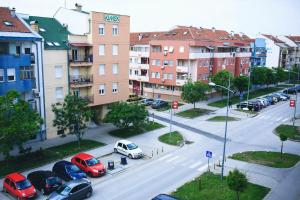 Purple Apartment, Ferienwohnungen  Novi Sad - big - 19