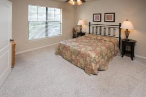 Enchanted Bella Piazza - Three Bedroom Condominium 813, Apartments  Davenport - big - 4