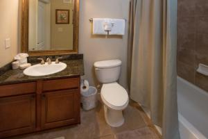 Enchanted Bella Piazza - Three Bedroom Condominium 813, Apartments  Davenport - big - 2